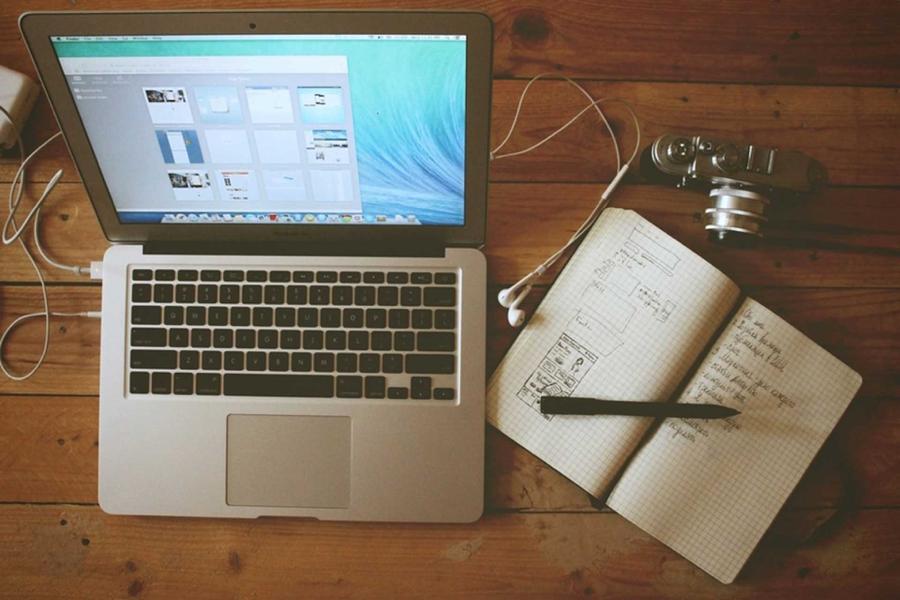 Laptop-On-Workspace